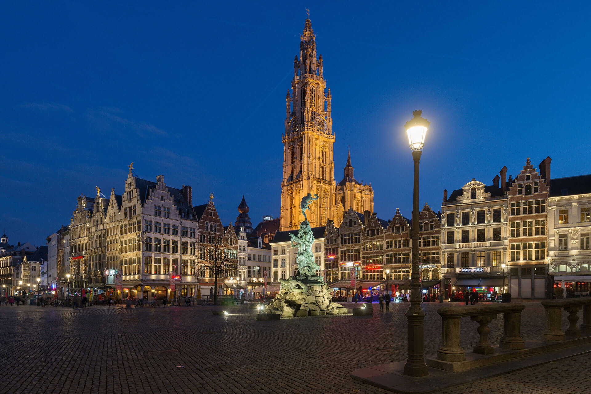 The nocturnal identity of Grote Markt in Antwerp has been transformed thanks to a new lighting scheme