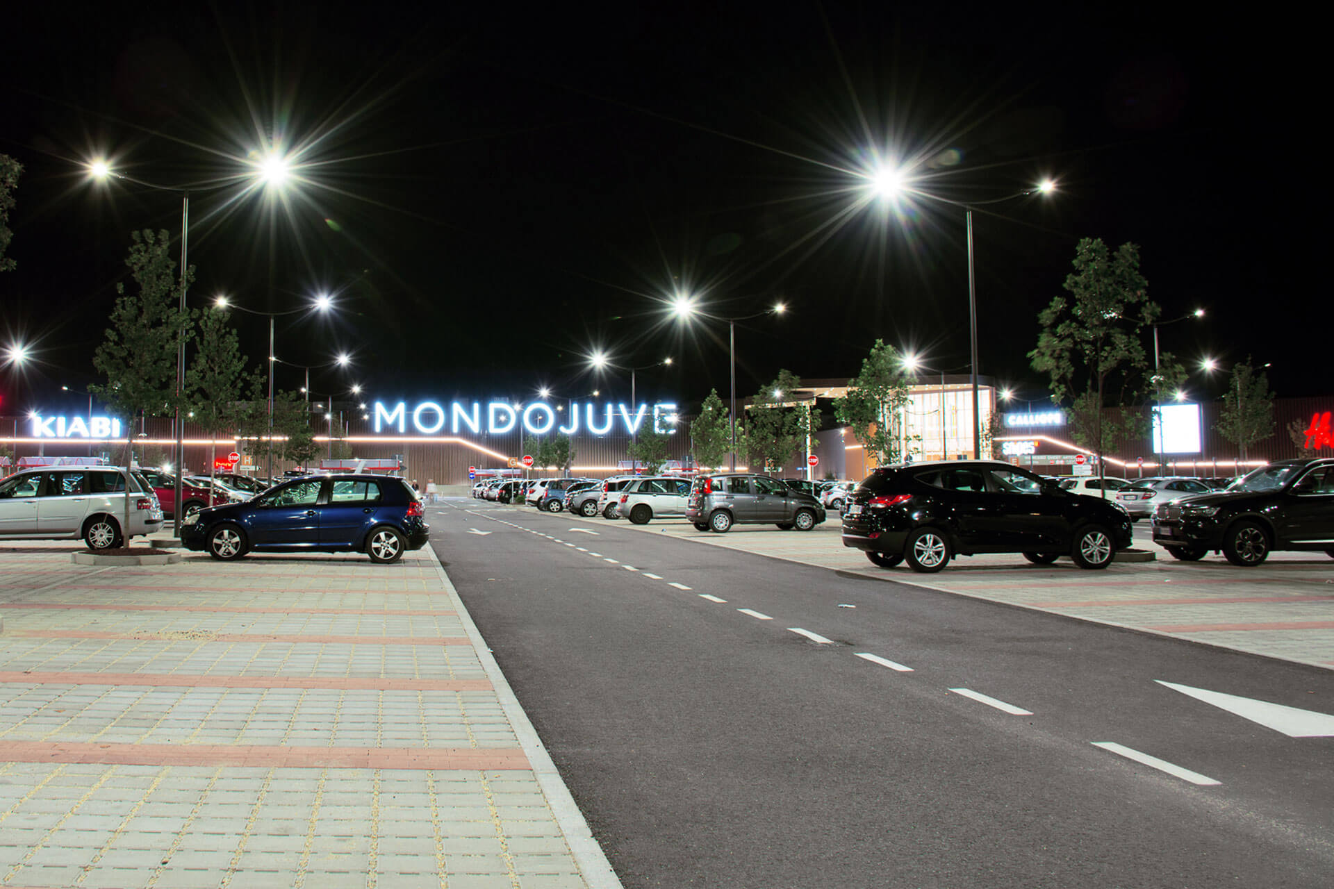 Axia 2 provides a sustainable lighting solution for Mondojuve shopping centre