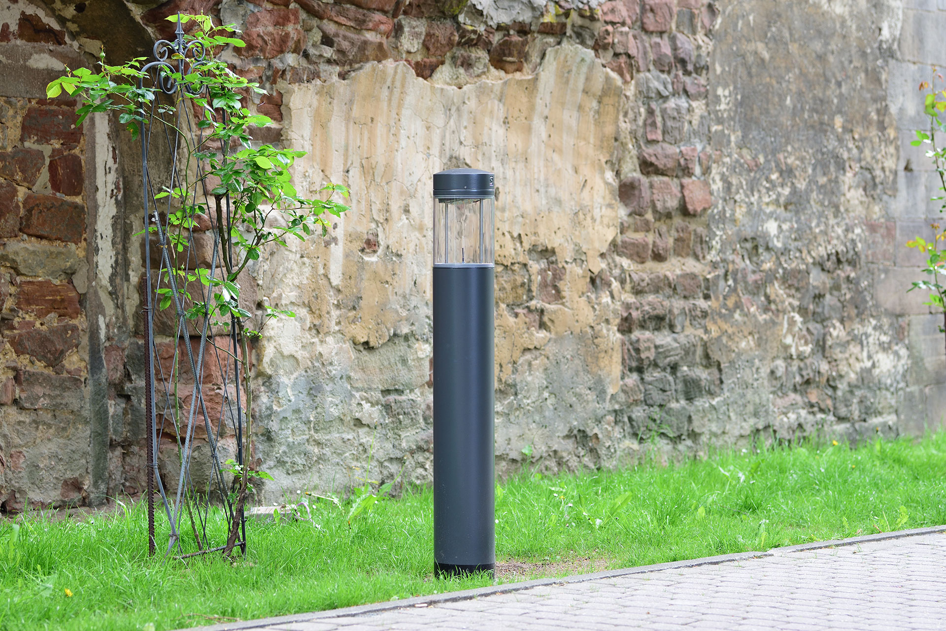 Millenium bollard enhances Bad Hersfeld by day