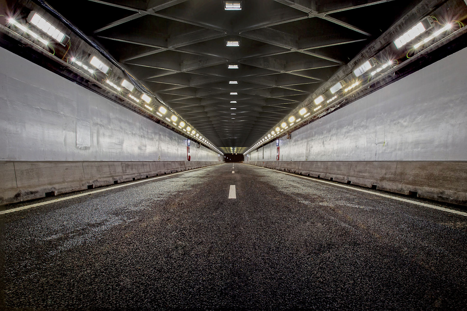 ContiLED ensures safety and visual comfort for motorists in Velser Tunnel