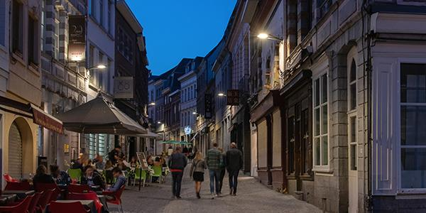 Yoa luminaires light Mons city centre for a warm welcoming nighttime landscape